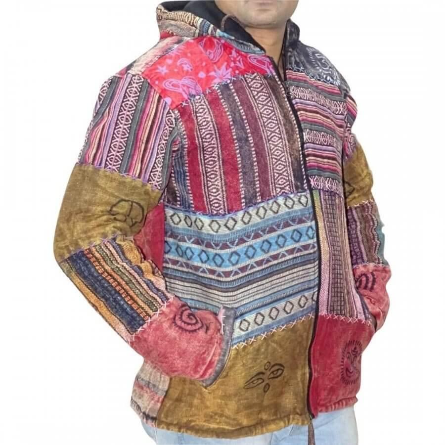 Vastag férfi kabát Nepálból színes kockás alapon csíkos minta