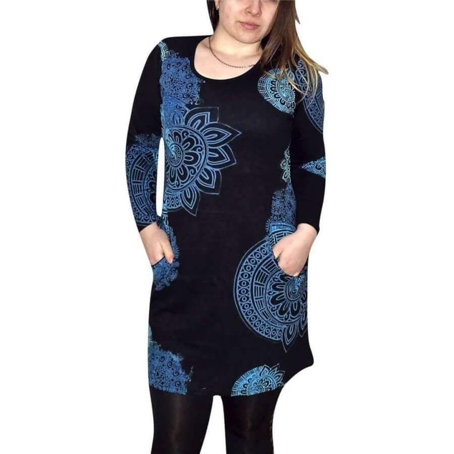 Csinos női tunika fekete alapon egyedi mintával kék színnel