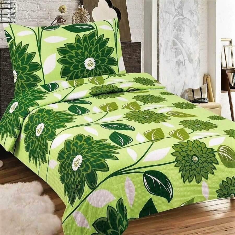 Zöld alapon sötét zöld virág mintás krepp ágynemű, 3 részes